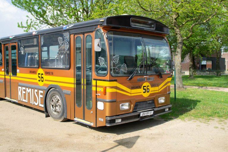 Voorkant van de Remise 56 Dorstbus