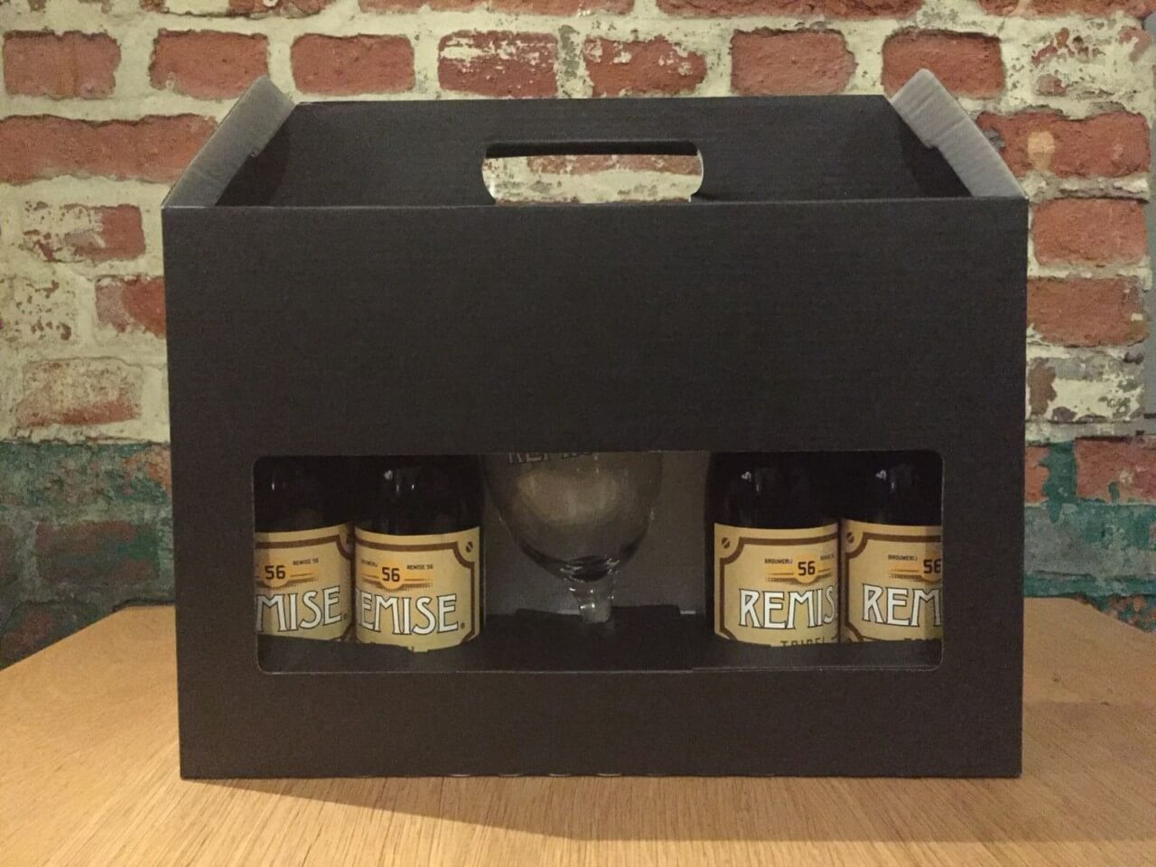 Geschenk koffer met Remise 56 Tripel en Glas
