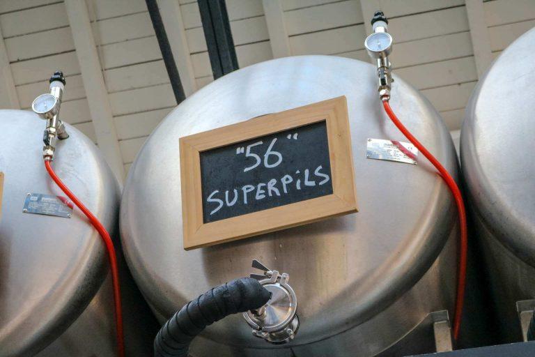 Tank met vers Remise 56 Superpils bier